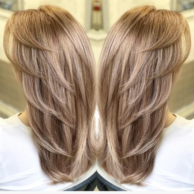 Coupes pour cheveux mi longs tendance 2018 coiffure for Coupe cheveux tendance 2018