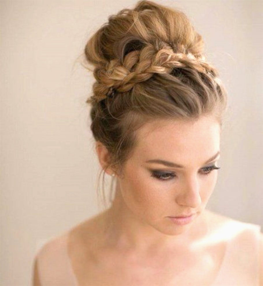 Chignon haut facile cheveux long