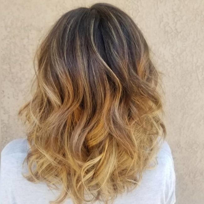 10 couleurs pour cheveux mi longs qui coupent le souffle