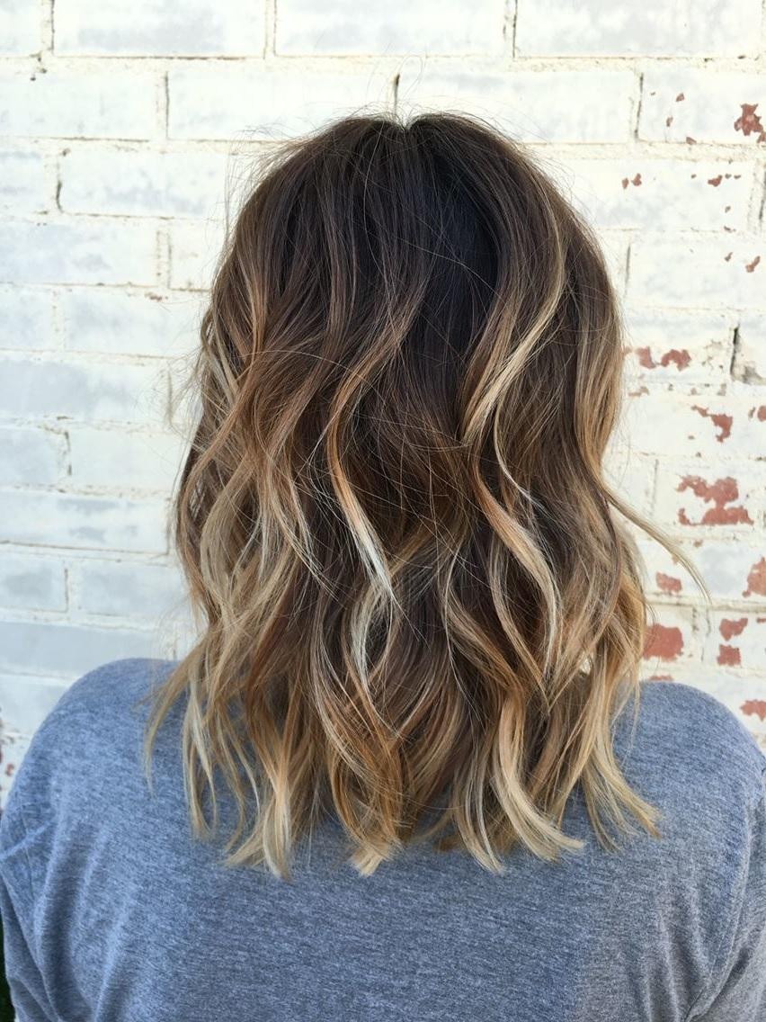 20 idées de balayages blonds sur des cheveux courts qui changeront  complètement votre avis, un look merveilleux pour illuminer vos cheveux et  leur donner