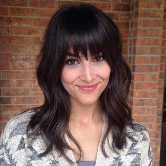 Coupes cheveux mi-longues avec frange pour femmes modernes | Coiffure simple et facile